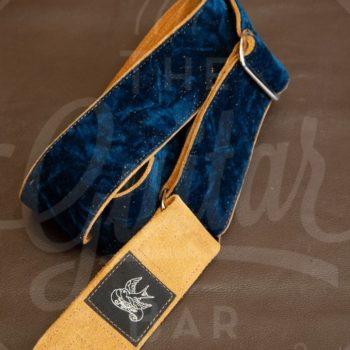 Jaykco Blue Krinkle Velvet on Toast