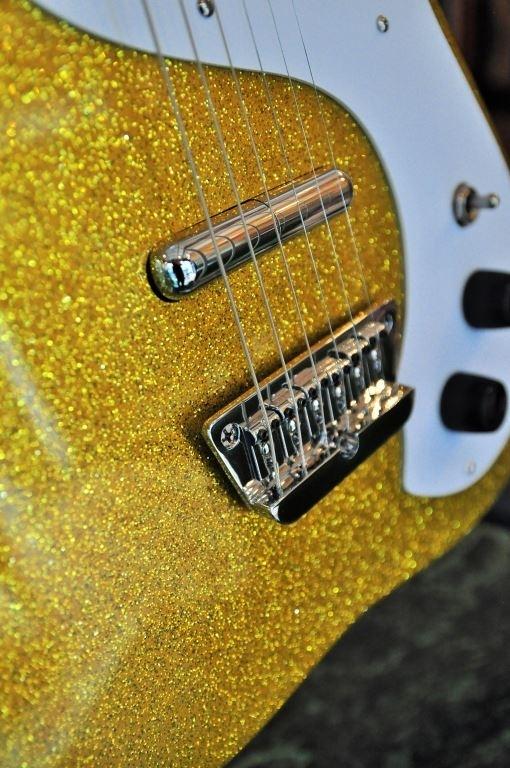 Danelectro 63 gold metal flake