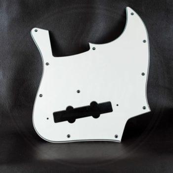 Boston pickguard for Jazz Bass, 3-ply, vintage white