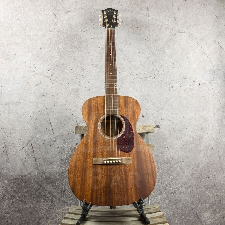 Guild USA M-20 Natural with hardshell case