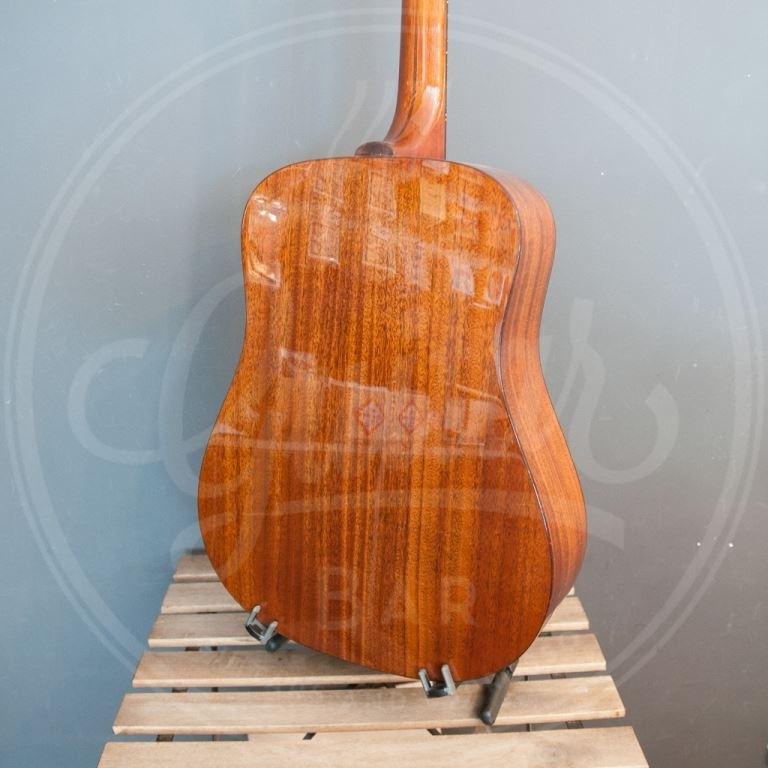 Guild D40 traditional dn all solid spuce/mahogany SB gloss hardcase