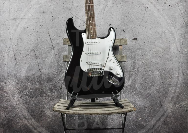 Squier Bullet Strat with Tremelo Black