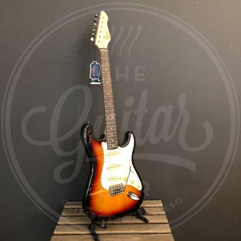 Revelation strat style guitar 3 x single coil Entwistle pu lignum rosa fingerboard 3tone sunburst