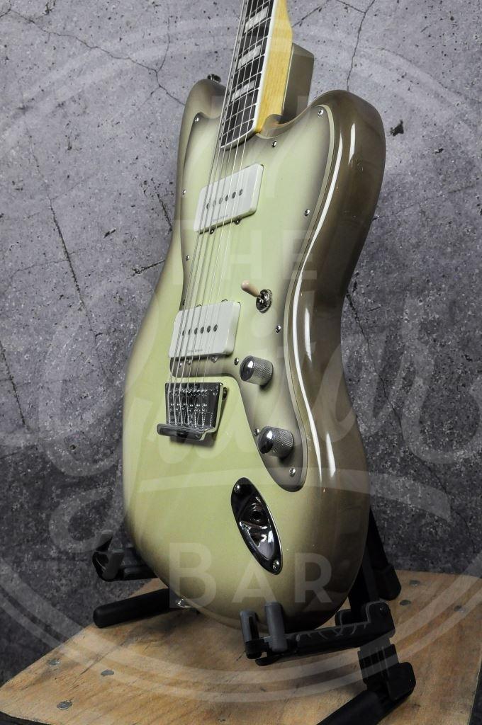 Squier Vintage Modified Baritone Jazzmaster Antigua