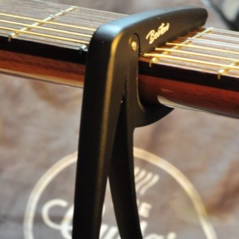 Boston springloaded capo classic