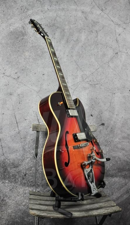 Guild CE-100D Capri with Guild Vibrato Tailpiece Antique Burst