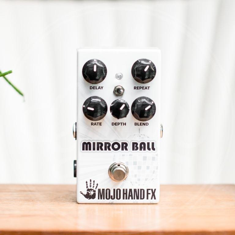 Mojo Hand mirror ball