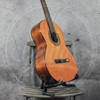 Salvador Cortez Solid Top Artist Series classic guitar 7/8