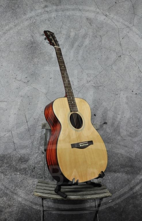 Eastman AC OM-1 All Solid Sapele Orchestra model With Gigbag
