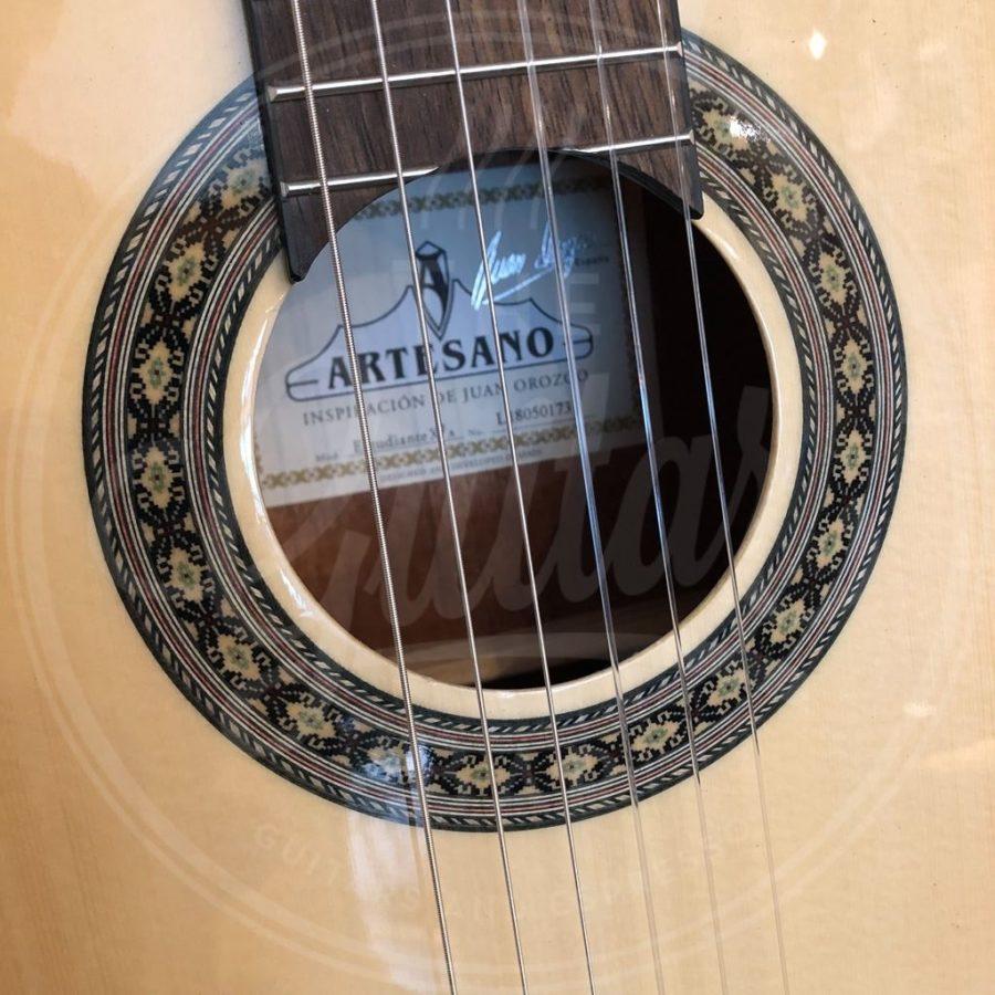 Artesano 4/4 nylonstring sitka top