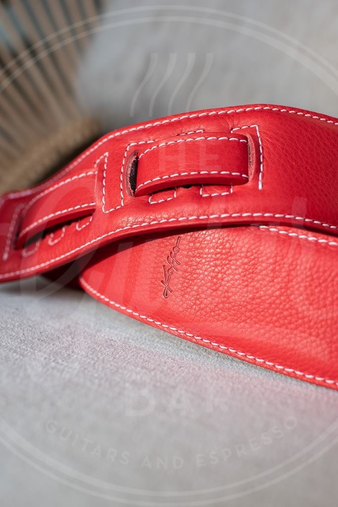 Kaffa guitarstrap simply red - leather
