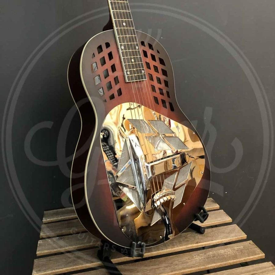 Royall wooden body tricone resonator DELTA, 12 frets, dark sunburst finish, with softcase