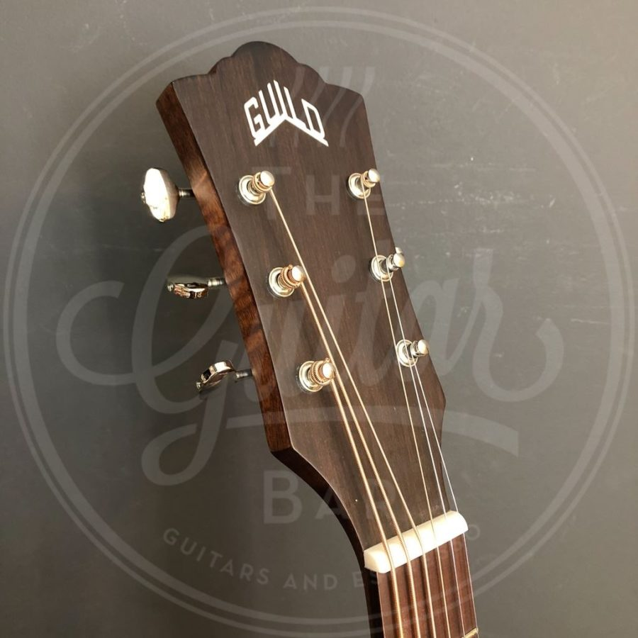 Guild BT-240E NAT 6-string baritone