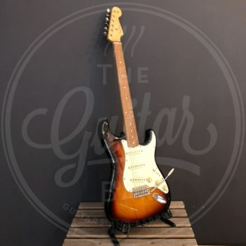 Fender Vintera 60's strat sunburst + original gig bag